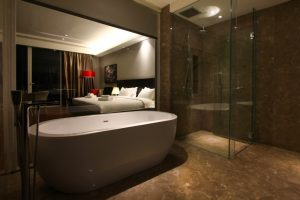 The Shore Hotel & Residences - Premier Suite Bathroom