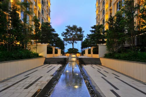 The-Shore-Hotel-and-Residences-Water-Feature